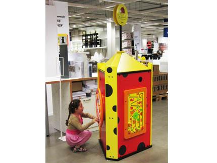 Totem juego ikea zona de juegos a medida y for Ikea gran via telefono